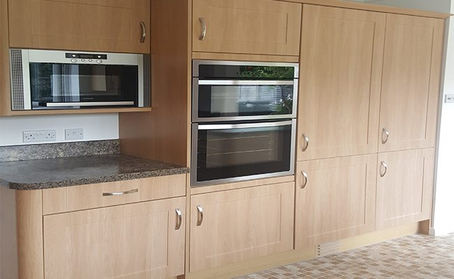 Kitchen Cabinet Respraying In The Uk 0161 850 8998